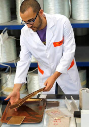 AIMPLAS desarrolla un nuevo biomaterial para la fabricación de aviones un 60% más ligero que la fibra de vidrio, más barato de producir y reciclable